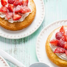 Strawberry-tarts-with-mascarpone